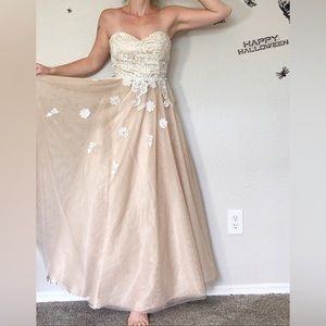 Cream Tulle & Lace Prom Dress Size 7